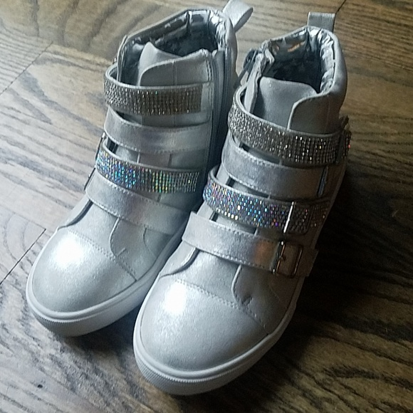 Air Underground Other - Air Underground boots shoes girl silver 13